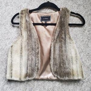 LE CHATEAU Fur Vest